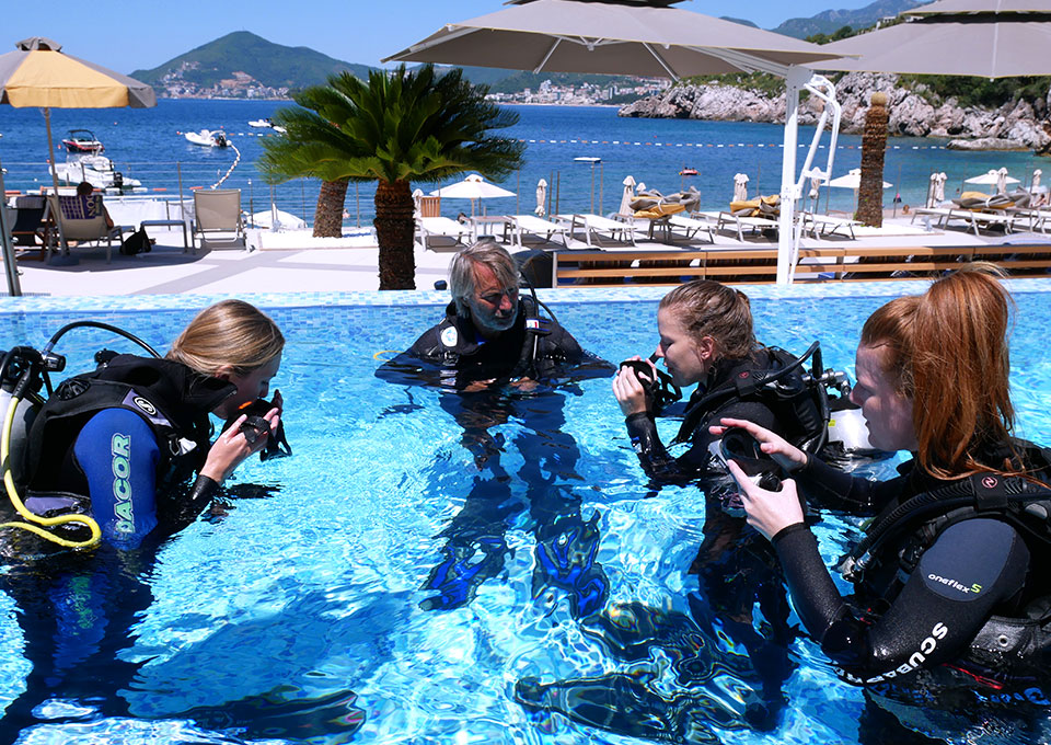 PADI  SCUBA REVIEW program